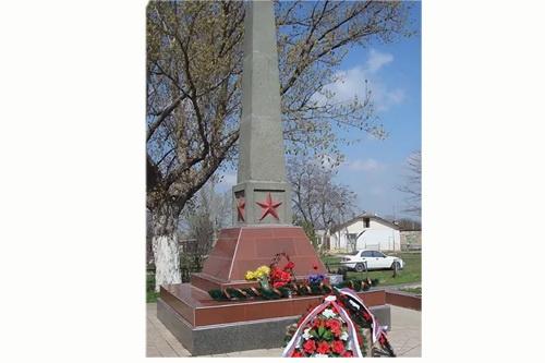 Мемориал в Красном украсит часовня