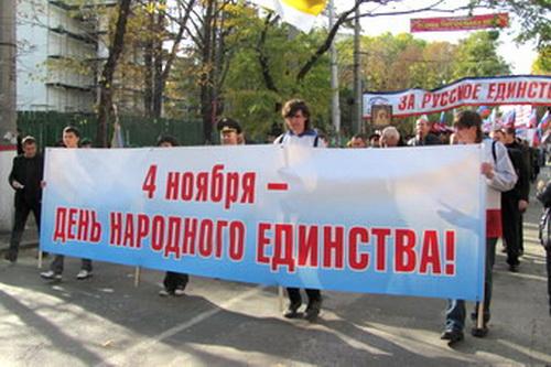 На зарплату живет только половина крымчан