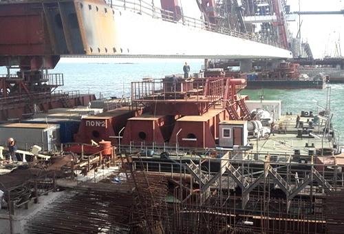 Начался подъем арки Крымского моста на опоры