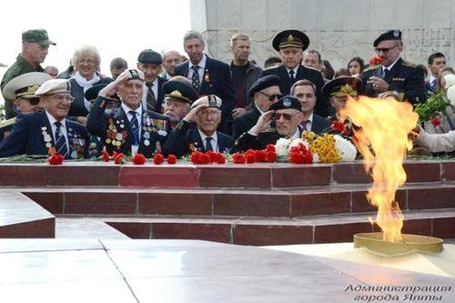 «Не будем делать Крым жертвой политики»