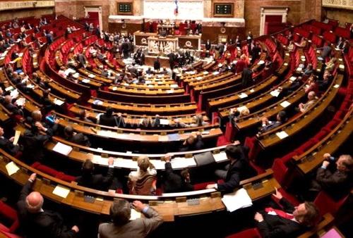 PenelopeGate: родственный блат во французском парламенте 0 (0)