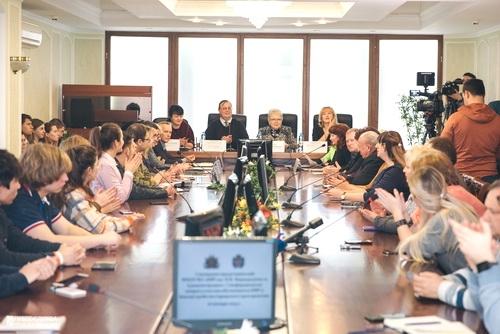 Наталья Маленко подключает к работе студентов