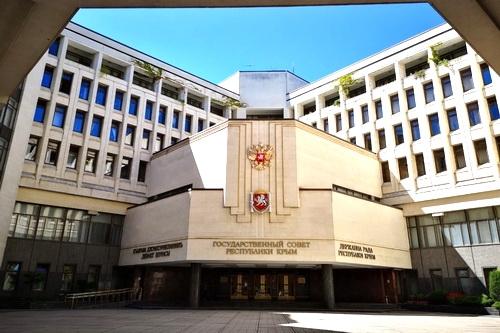 Владимир Константинов устроил президиуму первый экзамен