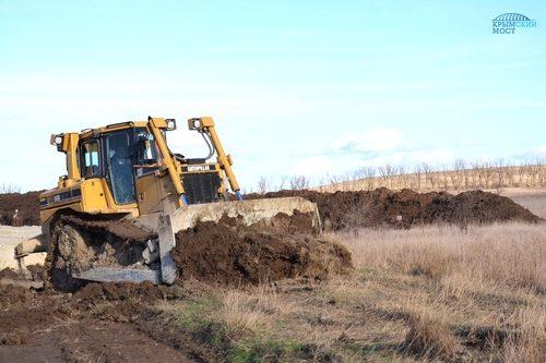 Строители моста в Крым сохранят плодородную почву