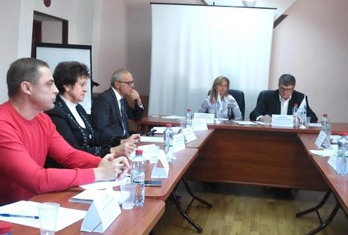Многодетные семьи в Крыму остаются безземельными
