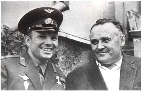 В Симферополе установлены памятники Юрию Гагарину и Сергею Королеву 0 (0)