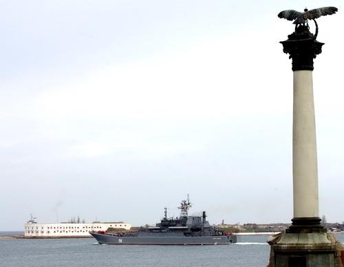 Крымские набережные: концы – в воду!