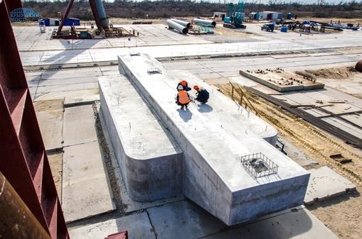Готова первая опора моста через Керченский пролив