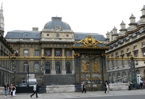Исполнение решений Гаагского суда по делу ЮКОСа во Франции