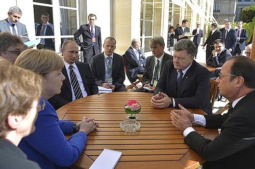 Трудности украинского урегулирования и дипломатические маневры вокруг Донбасса