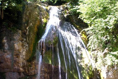 Водопад на великой реке