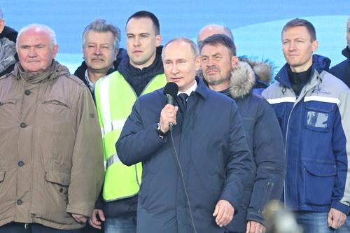 Владимир Путин открыл движение поездов в Крым 5 (2)