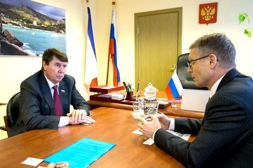 В Крыму работают самые умные госрегистраторы