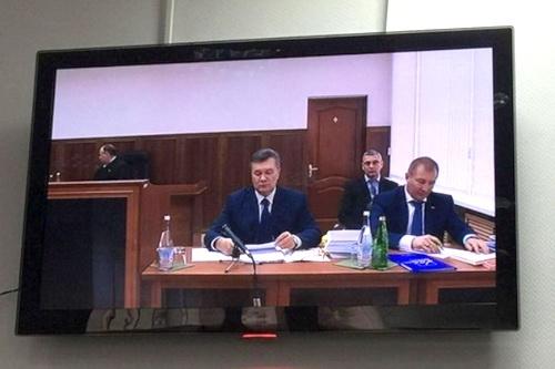 В защиту Януковича