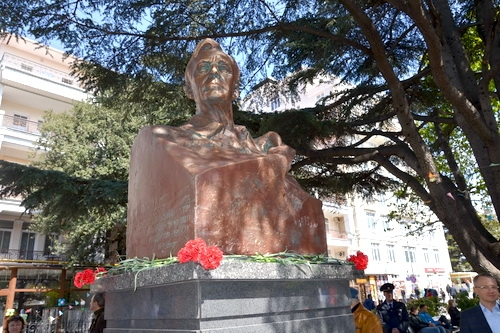 В Ялте открыт памятник президенту США Франклину Рузвельту 0 (0)