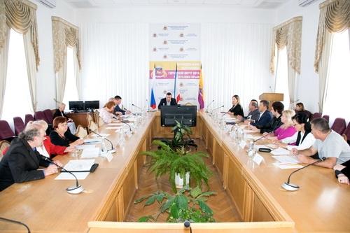 Совет национальностей начал работу в Ялте