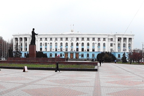 «Почта Крыма» выпустила специальный конверт к столетию КФУ