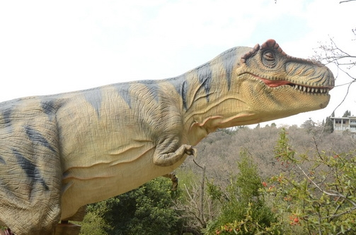 В Приморском парке Никитского сада поселились динозавры