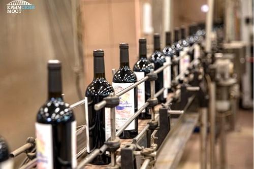 Вино «Крымский мост» поступит в продажу 24 декабря