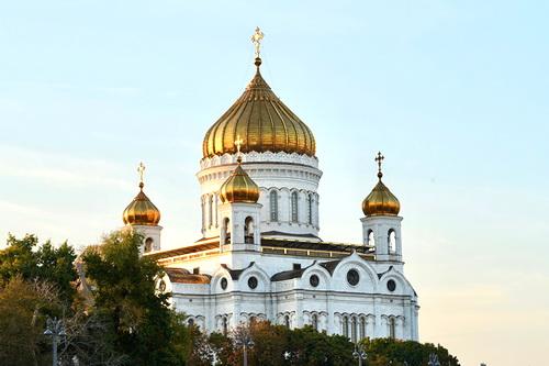 Россия прощается с Юрием Лужковым