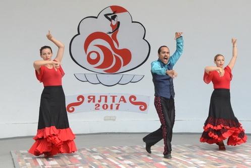 Летняя эстрада Никитского сада приняла лучших исполнителей фламенко