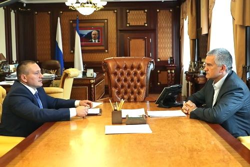 Сергей Аксенов взялся за «черных энергетиков»