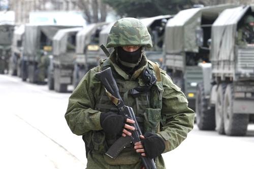 Парусная регата прошла под аркой Крымского моста