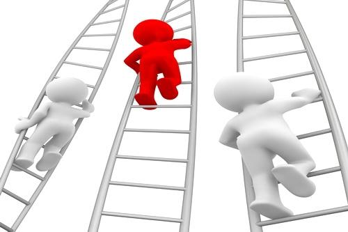 Верх и вниз по лестнице эффективности губернаторов