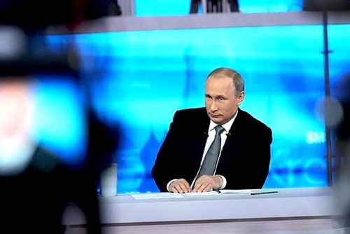 Владимир Путин ответил на три вопроса из Крыма