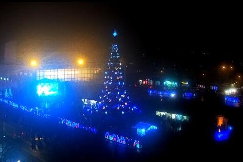 Ярмарка, дороги, праздничная программа — Симферополь готовится к Новому году