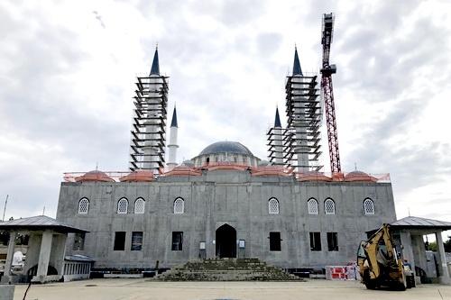 Черновые отделочные работы внутри соборной мечети завершены
