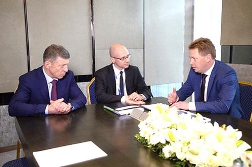 Овсянников познакомил Козака и Кириенко со Стратегией развития Севастополя 0 (0)