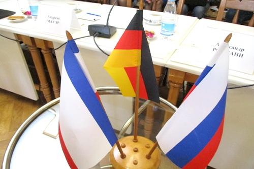«Народные дипломаты» осваивают Крым