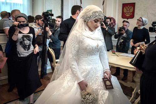 «Видео-невидимо» чеченской свадьбы