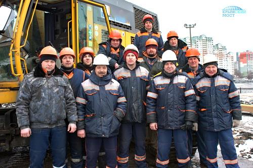 Строители Крымского моста работают в семи регионах России