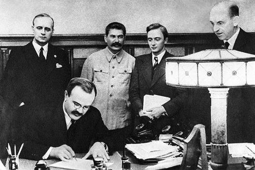 Образ Пакта Молотова-Риббентропа в глазах современных украинцев