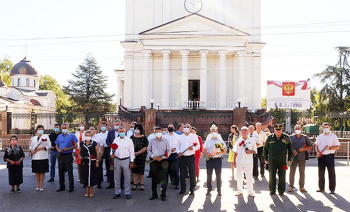 В Симферополе почтили память воинов, павших в Крымской войне 1853-1856 годов