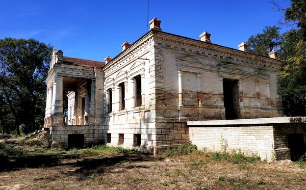 Балкон барского дома
