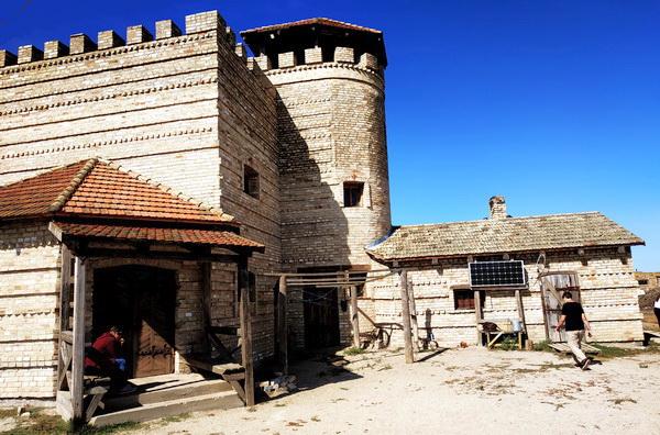Введенский замок