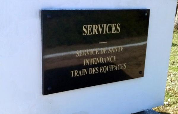Servicee de sante — «служба здоровья», могила французских маркитанток