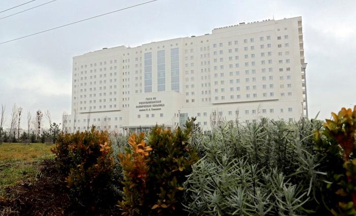 Открывая новейший медцентр, Сергей Аксёнов посоветовал в качестве пациента в него не попадать