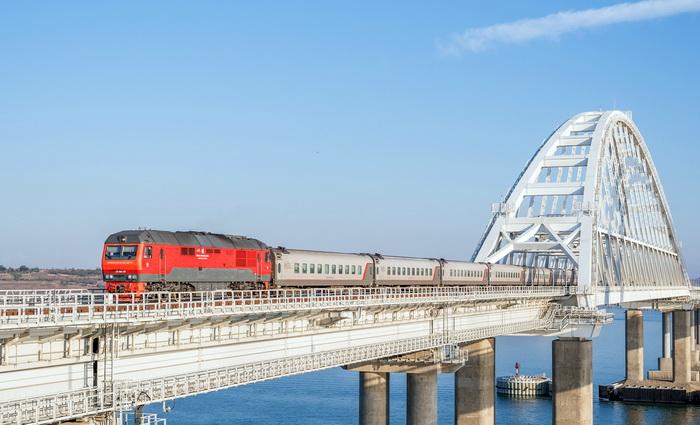 В Крым прибыл юбилейный пассажирский поезд «Таврия»