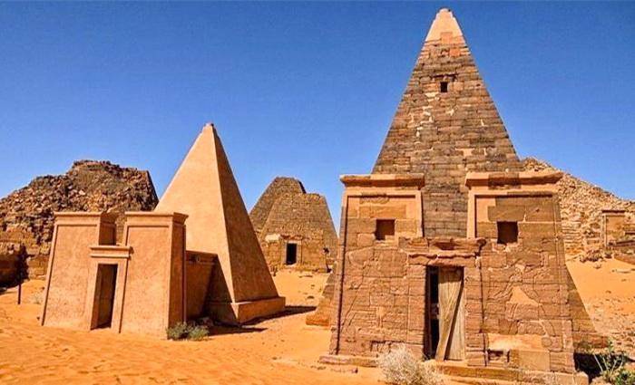 Магистранты СевГУ исследуют древнюю цивилизацию Мероэ в Африке