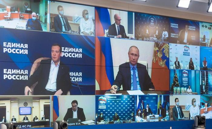Константин Костин: Волонтерство определит новое лицо партии в Госдуме