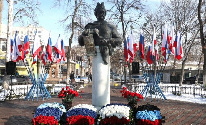 Крымчане отметили 367-ю годовщину воссоединения Украины с Россией