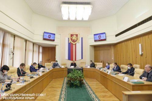 Дипломаты пополнили крымские библиотеки