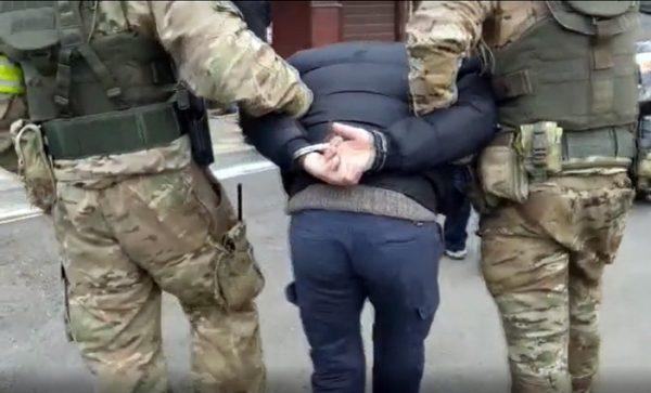 ФСБ вылавливает по всей России и в Крыму террористов и экстремистов