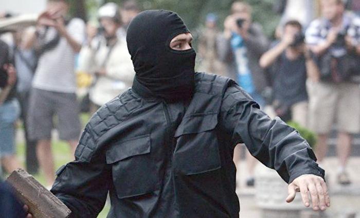 Индульгенция от Зе, или Как укронацистов записывают в касту неприкасаемых