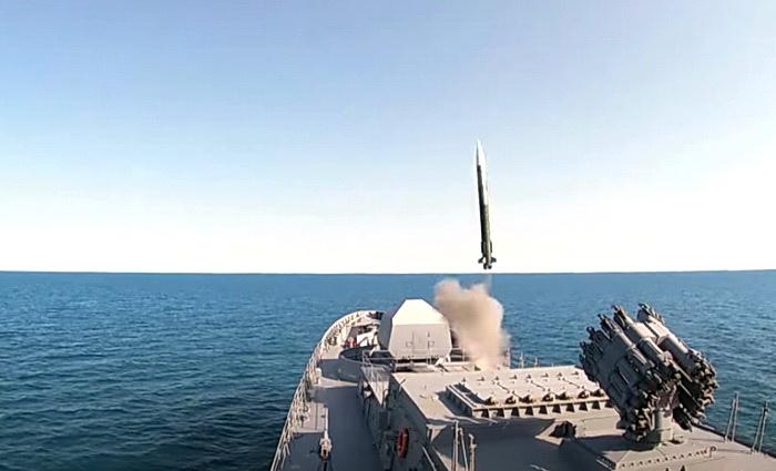 На черноморском ТВД*: бомбовые удары и ракетные пуски