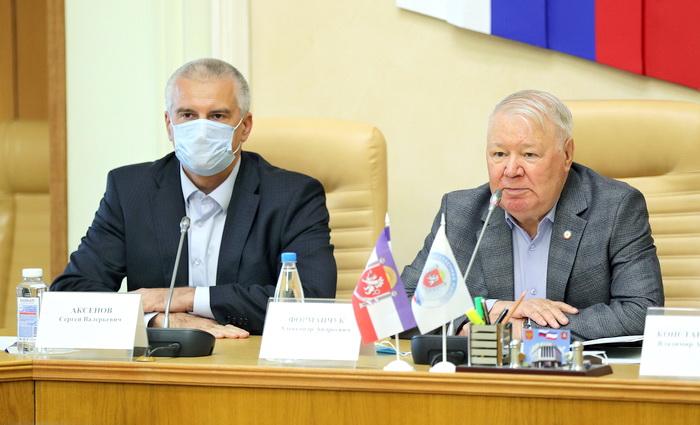 Новым главой крымской Общественной палаты избран Александр Форманчук